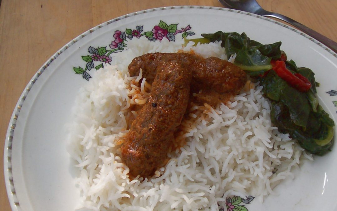 Mutsch (Kashmiri Meatballs) in Spice Gravy